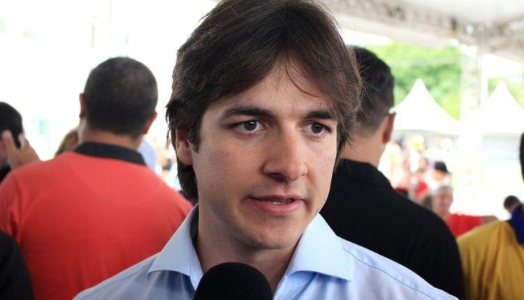 Deputado federal critica Ricardo Coutinho por criar 'guarda pessoal' para ex-governadores