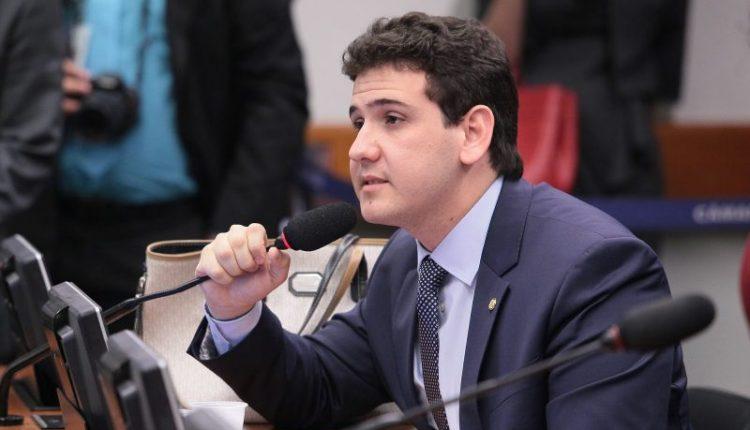 Deputado André Amaral discute regulamentação das Moedas Virtuais no Brasil