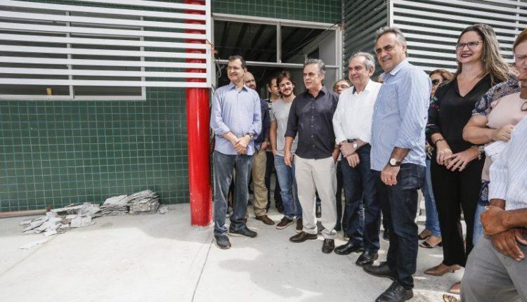 Ao lado dos senadores Cássio e Lira, prefeito Luciano visita obras da UPA dos Bancários