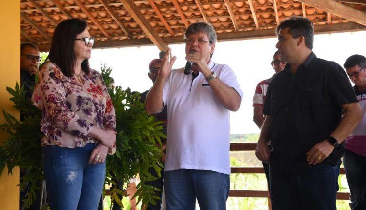 João Azevêdo recebe apoios da prefeita de Livramento e da ex-prefeita de Desterro
