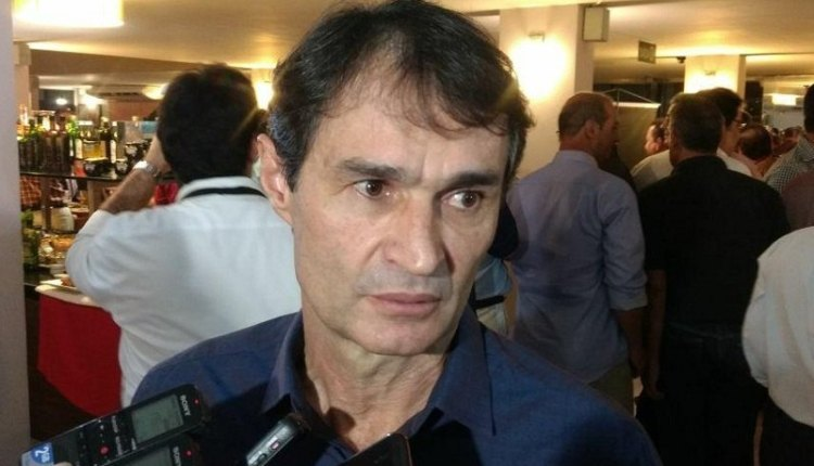 Internautas desmentem informação de pagamento divulgada por Romero