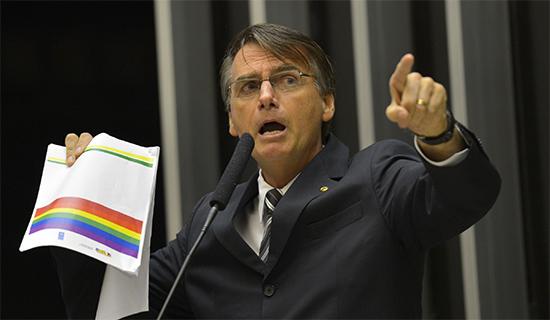 Em nova pesquisa, Bolsonaro lidera corrida presidencial com mais do dobro do segundo