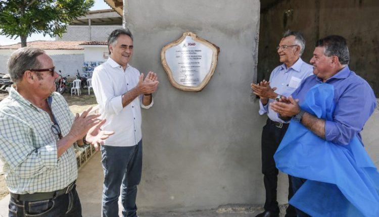Prefeito lança pedra fundamental do novo Horto Municipal