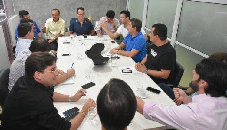 Vereadores e servidores discutem participação da cmjp no 'HackFest + Virada Legislativa'