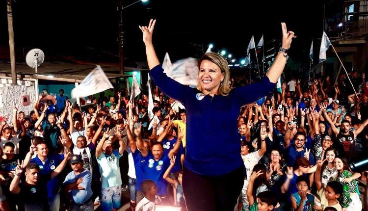 Dra. Jane arrasta multidão em caminhada em Santa Rita