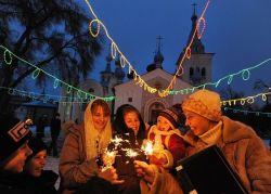 Статья: «Новый год никогда не заменит радость Рождества Христова»
