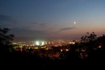 Ночной Пятигорск, вид с Академической галереи