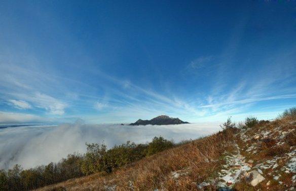 Панорама - вид на Бештау с вершины Машука