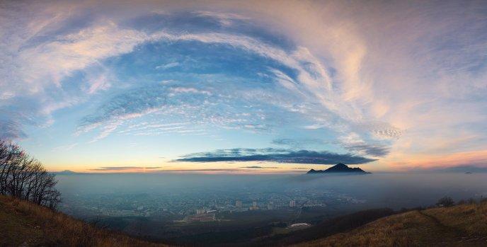 Панорама с Бештау и Эльбрусом
