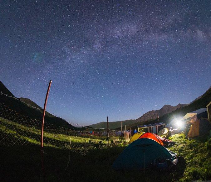 Млечный путь над нашим лагерем