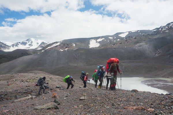 Вид на ледниковое озеро