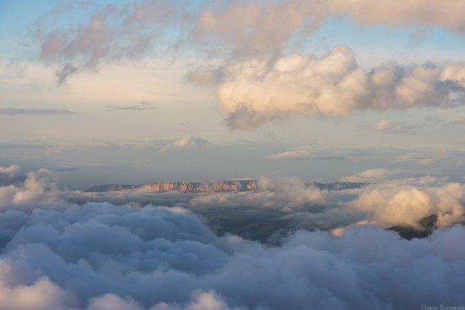 Плато Канжал, вид с северного склона Эльбруса