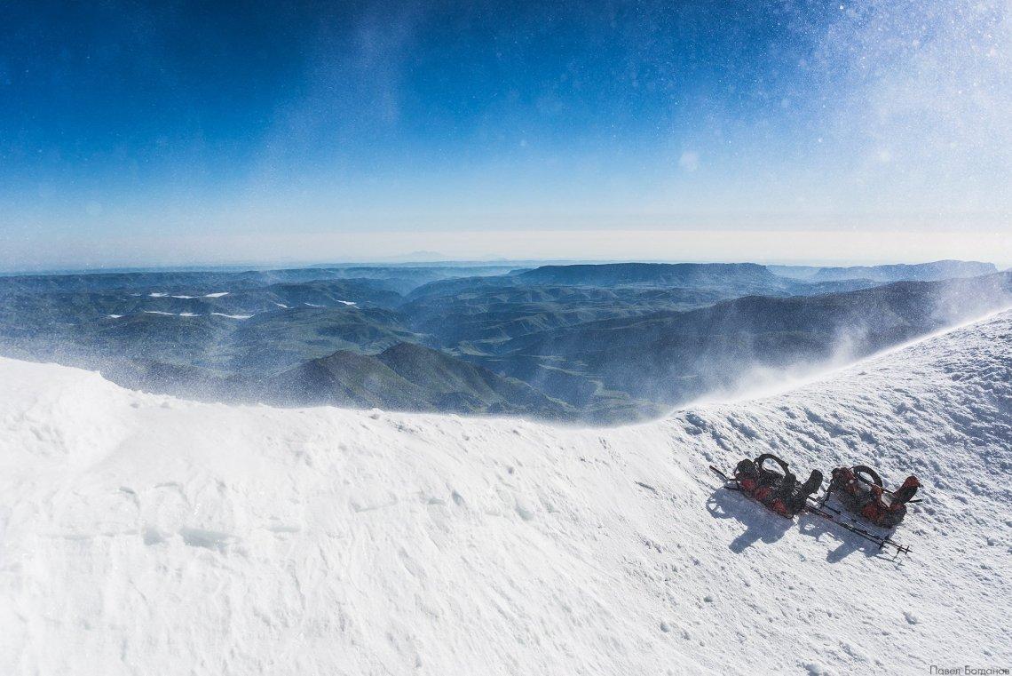 Ветер и метель на северном склоне Эльбруса