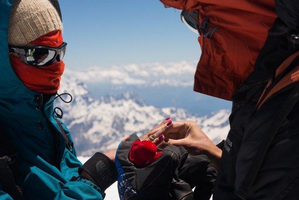 Предложение на вершине Эльбруса