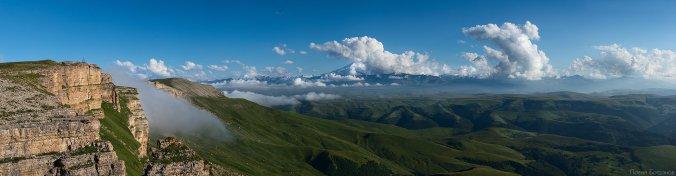 Панорама Бермамыта с видом на Эльбрус