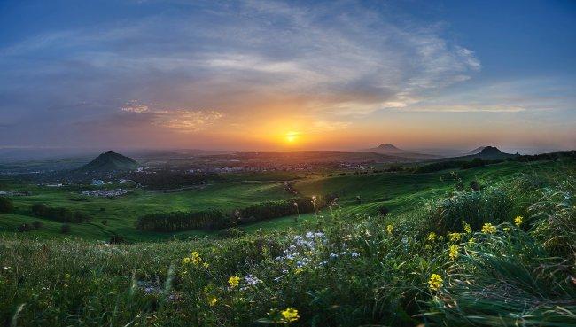 Закат на склоне Бештау