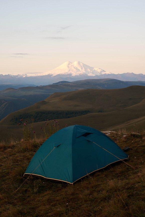 Палатка на плато Шаджатмаз
