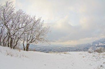 Фотография зимней вершины Машука