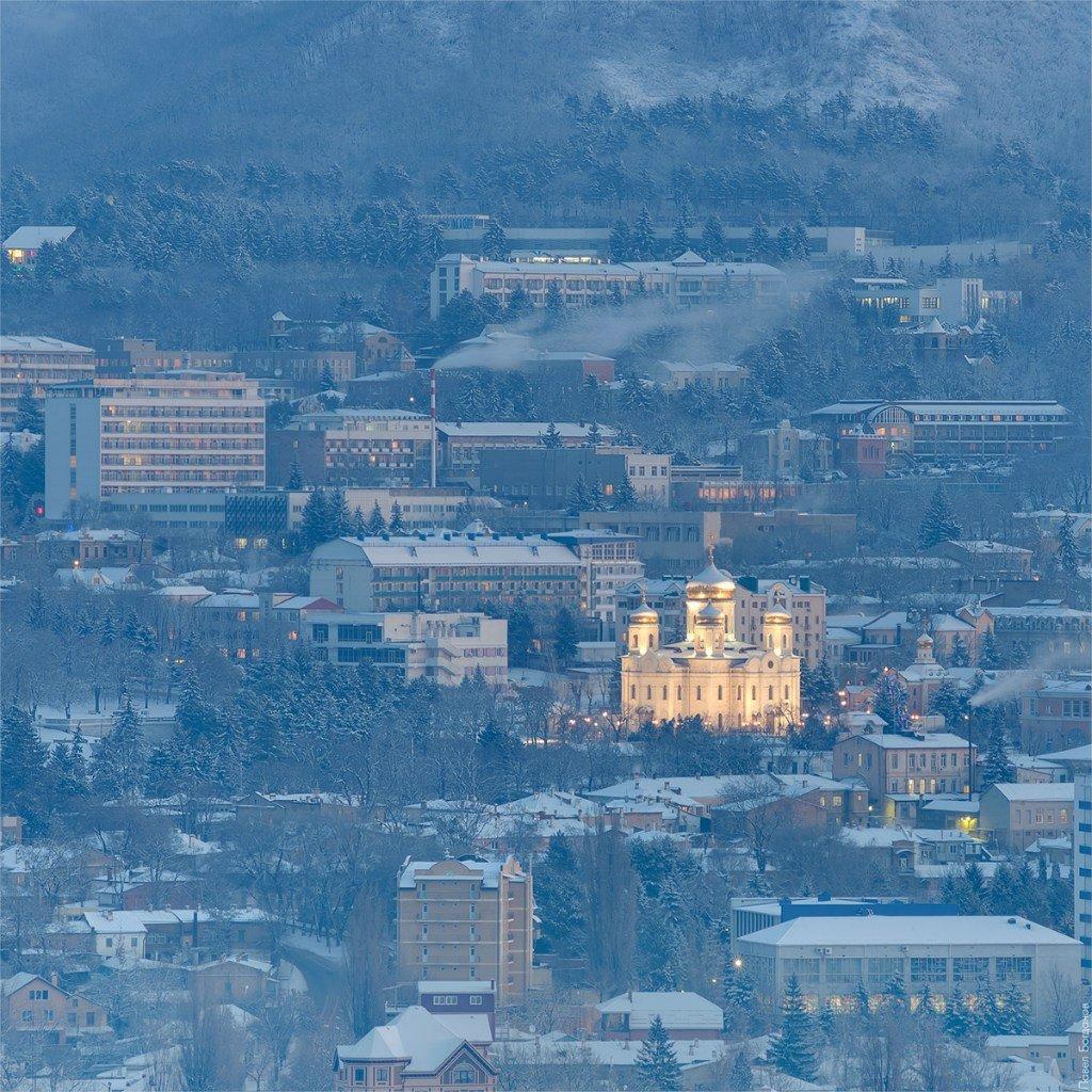 Пятигоский собор перед рассветом, вид с юга