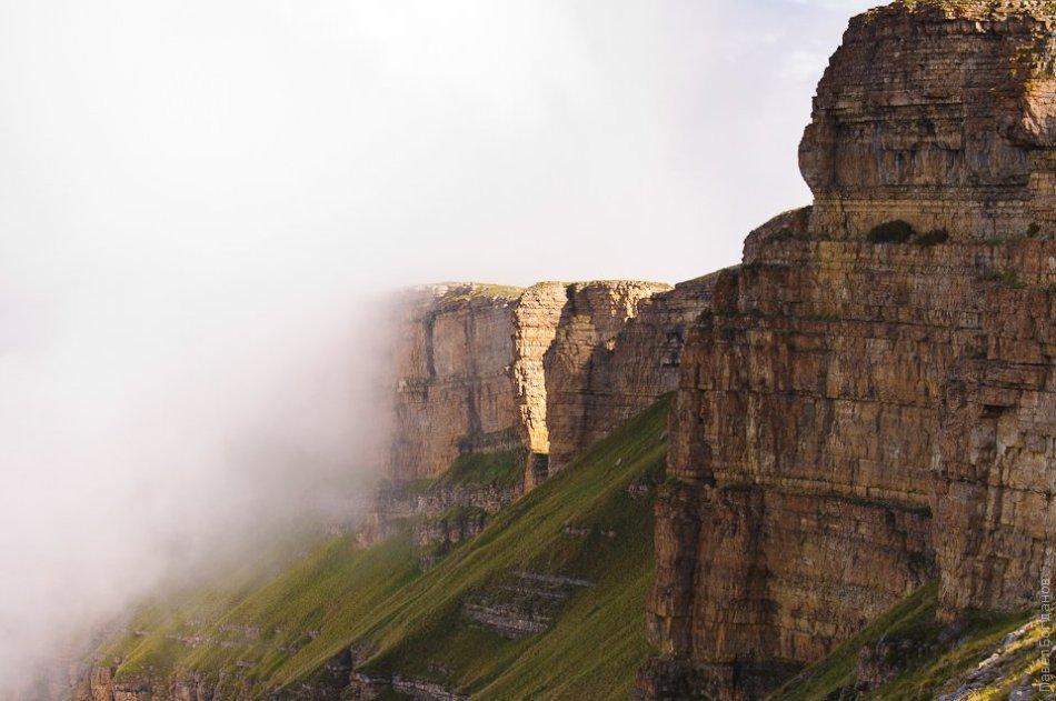 Скалы на Бермамыте