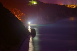 Скала Парус ночью, вид с горы