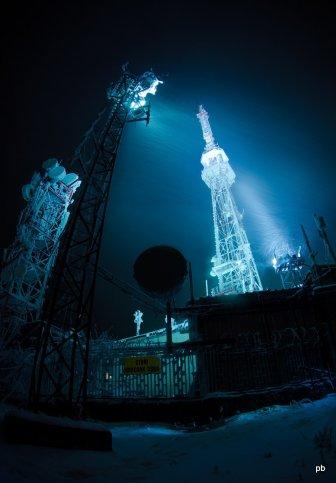 Фото - Телевышка на вершине Машука зимой