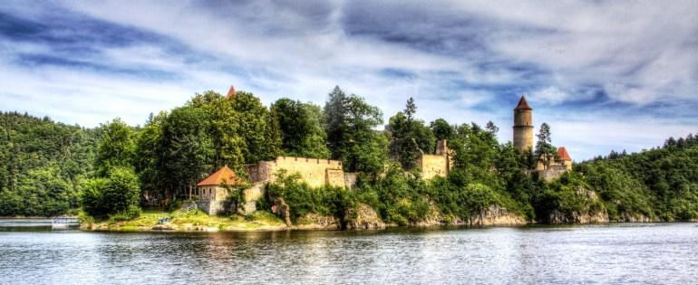 Hrad Zvíkov (vodní nádrž Orlík | červen 2012)