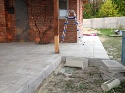 Укладка тротуарной плитки в Песчаник в Харькове
