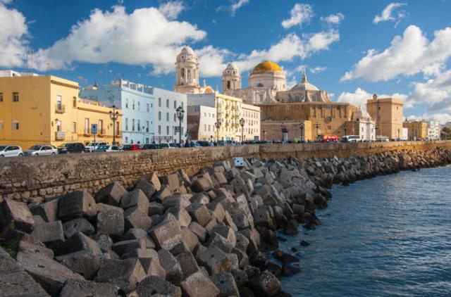 Da li će novi most i kargo luka uništiti deo nenadmašne lepote Kadiza?