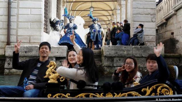 Svake zime, posetioci iz čitavog sveta hrle u Veneciju