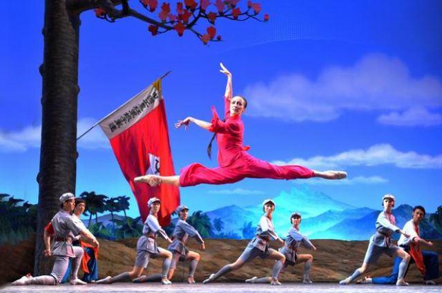 """""""Ženski Crveni bataljon"""" u izvođenju Kineskog nacionalnog baleta"""