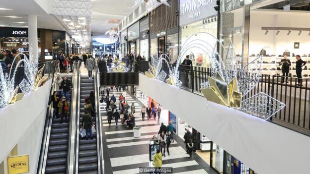Tržni centar u Poljskoj uoči Božića