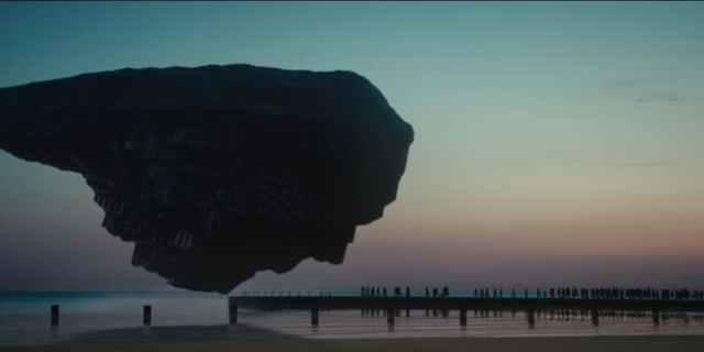 """Inverse (Scena iz sci-fi filma """"Captive State"""")"""