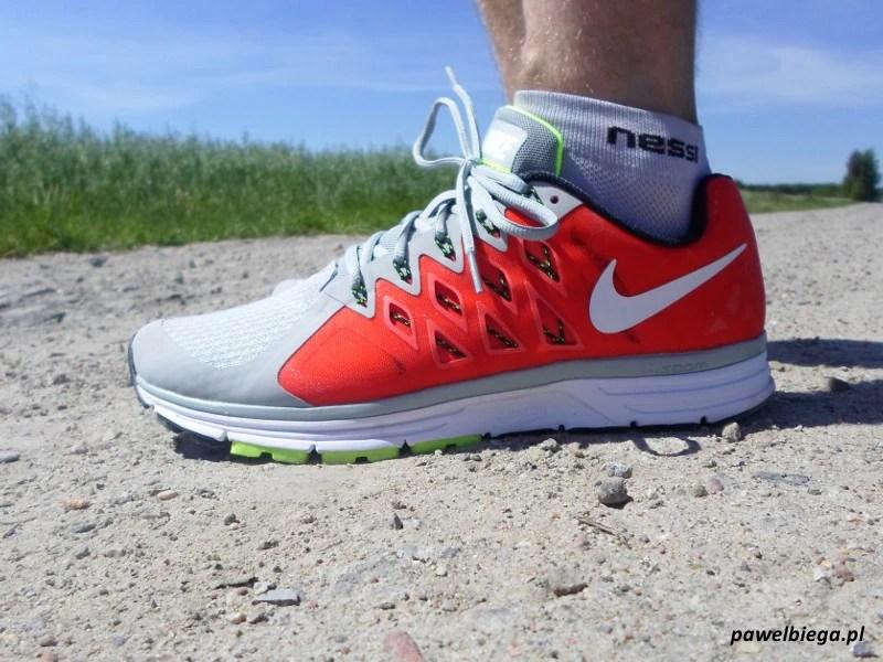 Nike Vomero 9 - bokiem