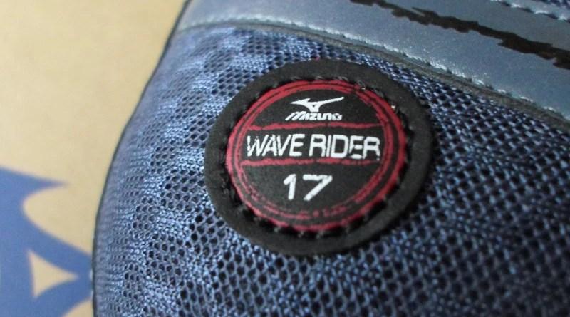 Mizuno Wave Rider 17 - detal