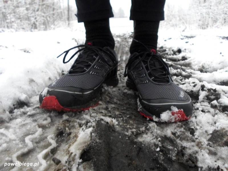 Buty Do Biegania Na Zime Czy Istnieja A Jesli Tak To Jakie Pawelbiega Pl