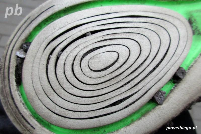 Nike Lunar Epic - podeszwa-kamienie