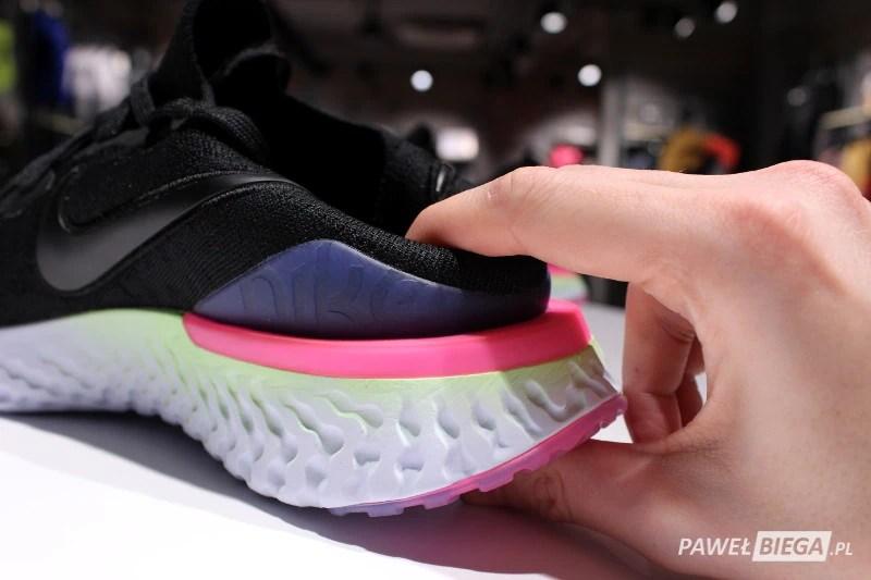 Nike Epic React 2 - zapiętek