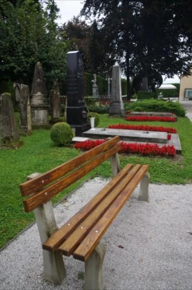 piękny i zabytkowy cmentarz w varazdinie w chorwacji