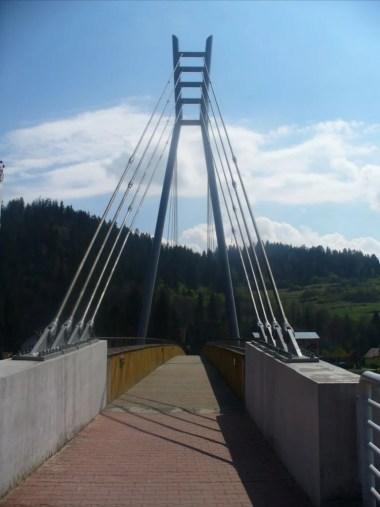 kładka na dunajcu w sromowcach wyżnych, po drugiej stronie już słowacja