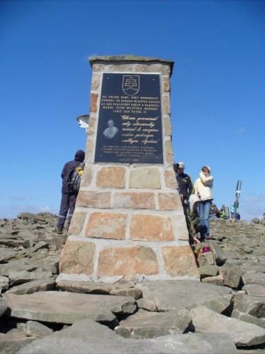 obelisk papieski po słowackiej stronie diablaka, babiogórski park narodowy
