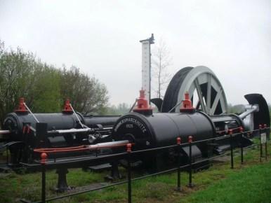 skansen maszynowy w pobliżu zabytkowej kopalni srebra w tarnowskich górach, wpisanej na listę UNESCO
