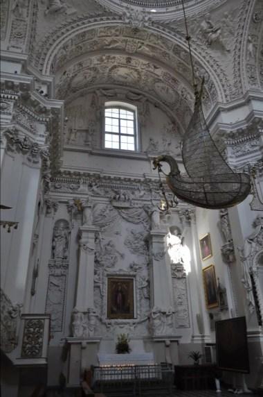 wnętrze kościoła świętych piotra i pawła na antokole w wilnie na litwie