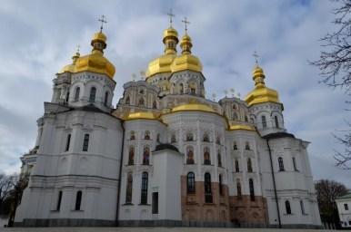 sobór uspieński na terenie ławry pieczerskiej w kijowie na ukrainie