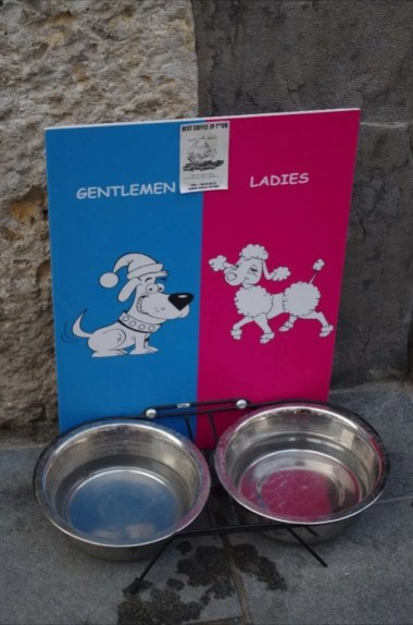 miseczki dla piesków i suczek w ljubljanie w słowenii