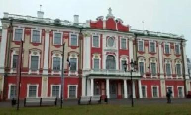 pałac kadriorg w tallinie w estonii