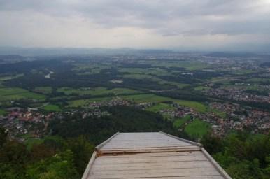 smarna gora w słowenii, widok w dół znad przepaści