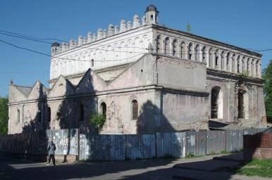 zniszczona synagoga w żółkwi na roztoczu