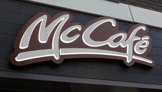 Jak McDonalds namawia do picia kawy?