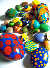 http://candiceashmentart.blogspot.co.uk/2012/03/egg-rocks-big-small.html